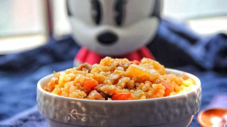 五花肉胡萝卜土豆焖饭,成品细节图