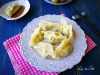 #咸味#黄瓜猪肉水饺,我用的黄瓜大概12厘米长,一共用了两根。