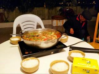 贵州风味鱼火锅,以明月为灯,寻人间美味。