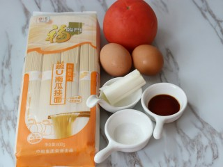 西红柿鸡蛋汤面,准备食材