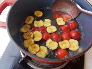 健脾养胃助消化的山楂汁,煮开后转小火