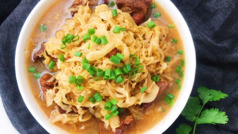 东北酸菜炖排骨