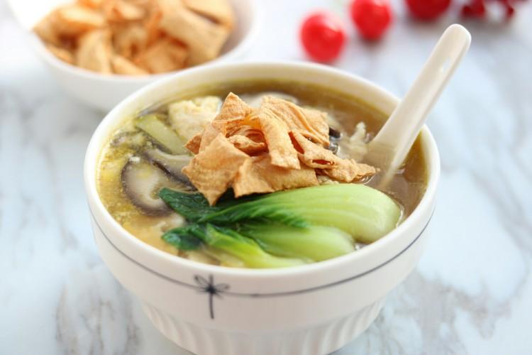 滑嫩营养鸡片汤