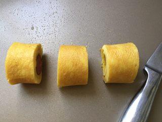 香肠厚蛋烧,切成小块