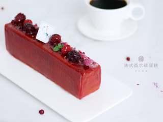 浪漫的的下午茶时光——法式香水磅蛋糕,搭配一杯黑咖啡,惬意的午后就这样细细品味吧