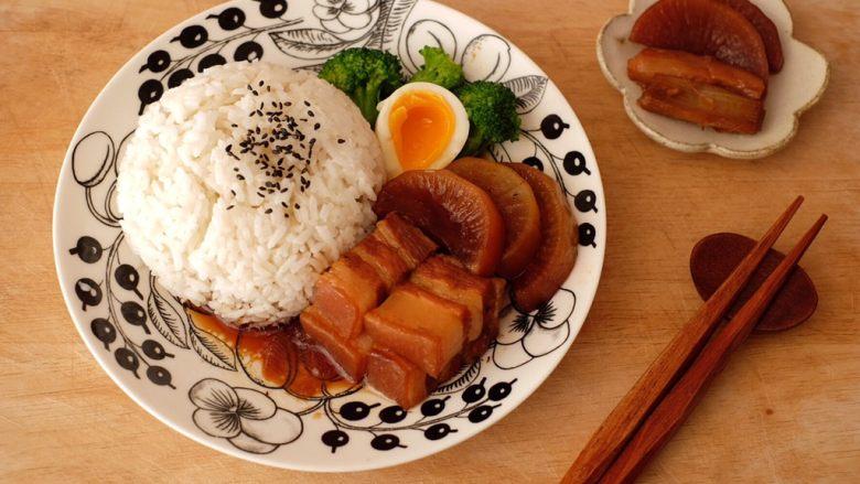 【再添一碗饭】の炖肉盖饭