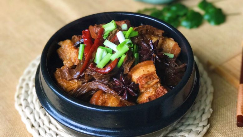 老底子的传统笋干烧肉