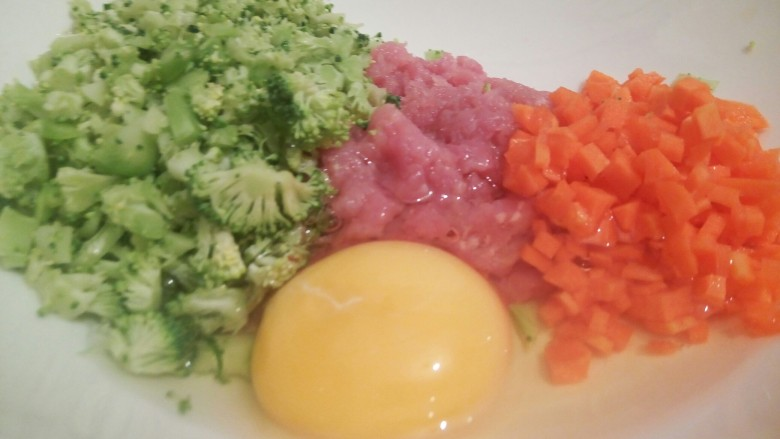 绿色美食+营养饭团,再打一个<a style='color:red;display:inline-block;' href='/shicai/ 9'>鸡蛋</a>