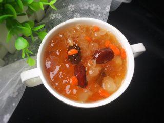 桃胶皂角米红枣枸杞羹,满满地胶质