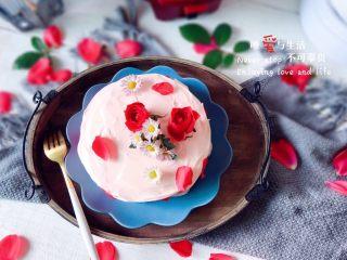 粉红少女心蛋糕,点缀鲜花,完成 愿年年岁岁,花好月圆