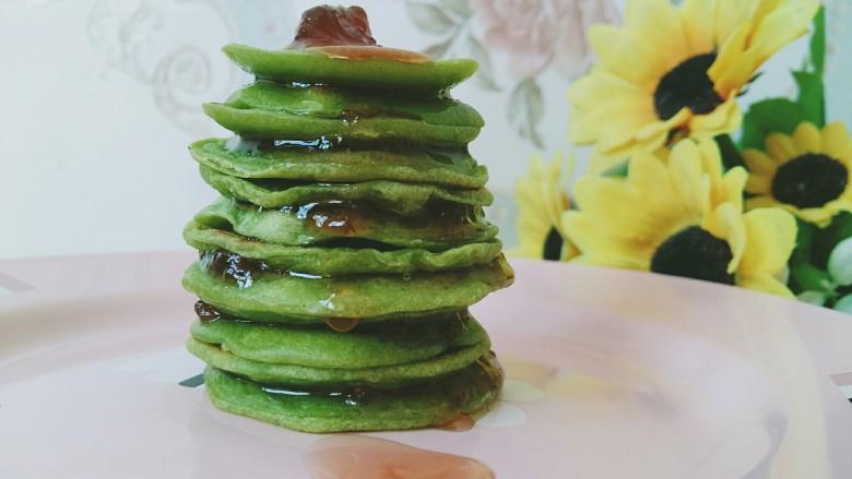 #绿色美食#草莓酱夹心软饼,也可以直接淋上草莓果酱吃。