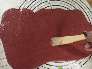 麦当劳薯条造型馒头,正面刷一层玉米油。