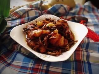 #那一抹家乡味#妈妈菜干豆角烧肉,带有妈妈味道的菜肴总是最美味的,这道菜用五花肉和小排骨一起进行烹制,味道会更香。