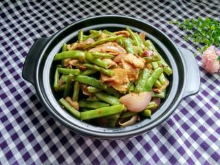 绿色美食+干锅四季豆(微辣),成品图来一张。