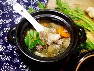 羊肉胡萝卜土豆滋补暖身汤