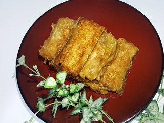 红烧带鱼,13.煮至汤汁收干,带鱼就做好了。
