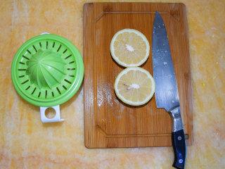 香橙酱,榨取柠檬汁