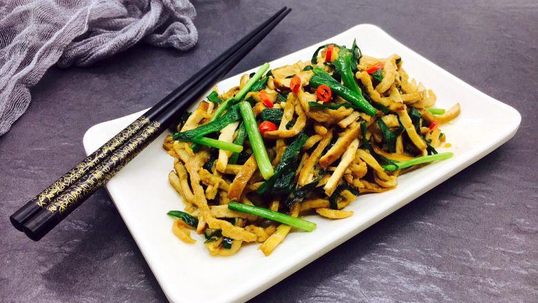 #绿色美食# 韭菜肉丝香干小炒