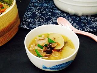 冬季一锅出+红鲟蒸红薯粉+简骨鸡枞菌萝卜汤,冬天这样吃太幸福了,👏👏👏👏👏👏