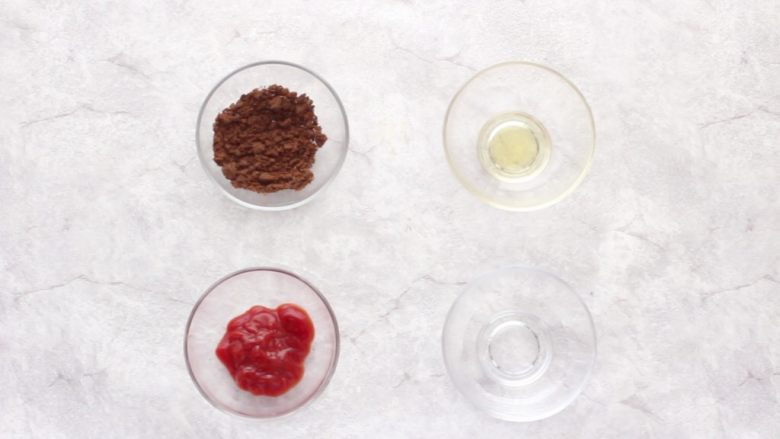 茄汁黄豆,准备好<a style='color:red;display:inline-block;' href='/shicai/ 882'>红糖</a>、苹果醋、番茄酱和清水。