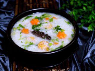 剩米饭也有春天(海鲜杂蔬粥),成品一
