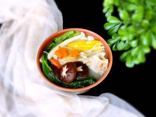 筒骨菌菇汤,完成,成品