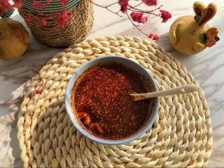 麻辣凉拌豆干,离不了的红油辣椒,必备啊,感觉。