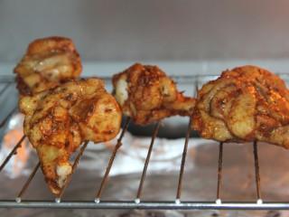新奥尔良烤鸡腿(改良版),放入烤箱继续烤5分钟