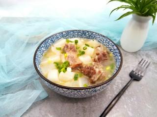 牛排萝卜滋补汤,孩子喜欢喝这汤。