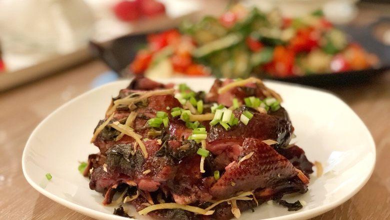 紫苏蒸酱鸭