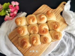 奶油蜂蜜脆底小面包,成品图