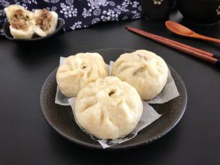 中式点心~猪肉香菇木耳粉丝包