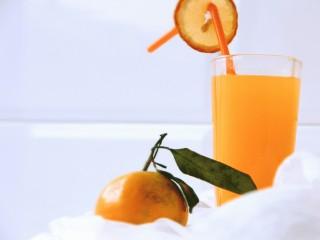 冬喝暖饮夏吃冰~自制橘子汽水