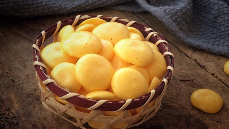 蛋黄小溶豆,浓郁的奶香味,非常好吃😋