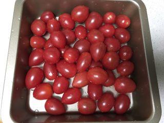 烤小番茄蘑菇酱,小番茄洗净