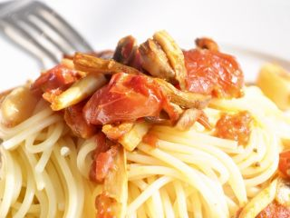 烤小番茄蘑菇酱,美味~