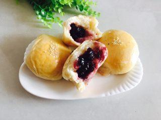 奶香肉松火腿小面包,还有蓝莓酱馅儿的!
