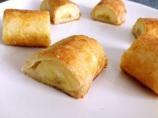 懒人料理-香蕉派,切成3小段。