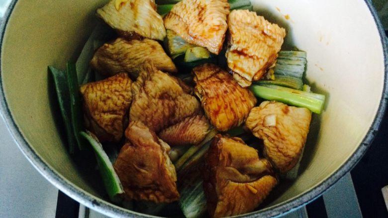 唯独好这口—葱香蚝油鸡翅,当然放好鸡翅。
