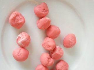 吃掉一朵花+玫瑰花馒头,分成均匀的小面剂子