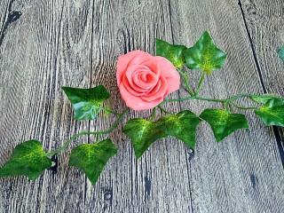 吃掉一朵花+玫瑰花馒头,馒头生胚特别美,做好了就写了菜谱,以后上蒸好的图