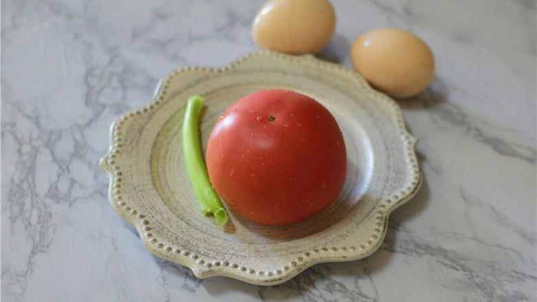 西红柿炒鸡蛋,准备食材