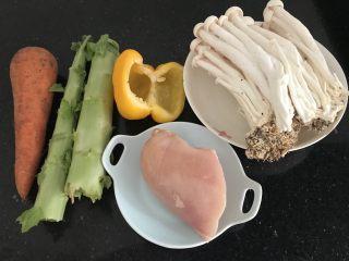 海鲜菇鸡肉炒杂蔬,材料准备⬆️
