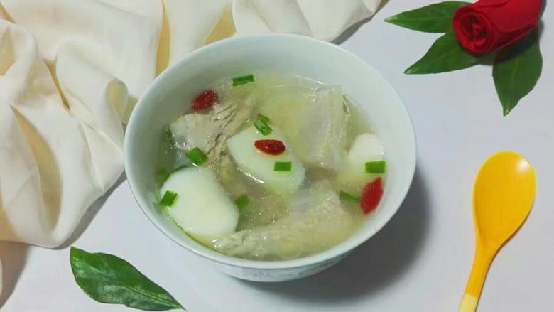 滚刀山药淡菜脆骨汤