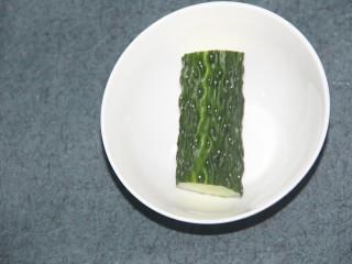 酸甜玉米粒,准备小半根黄瓜