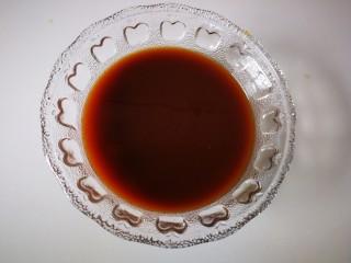 #懒人料理#家常烧豆腐(黄豆酱版),在加入温水,然后搅拌均匀。