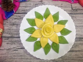吃掉一朵花+花馒头