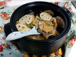 猪蹄莲藕煲