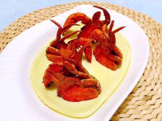 螃蟹蒸蛋羹,蟹子鲜美的汤汁和蛋羹完美的结合太棒了