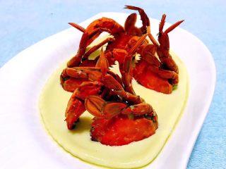 螃蟹蒸蛋羹,螃蟹的营养价值很丰富值得拥有